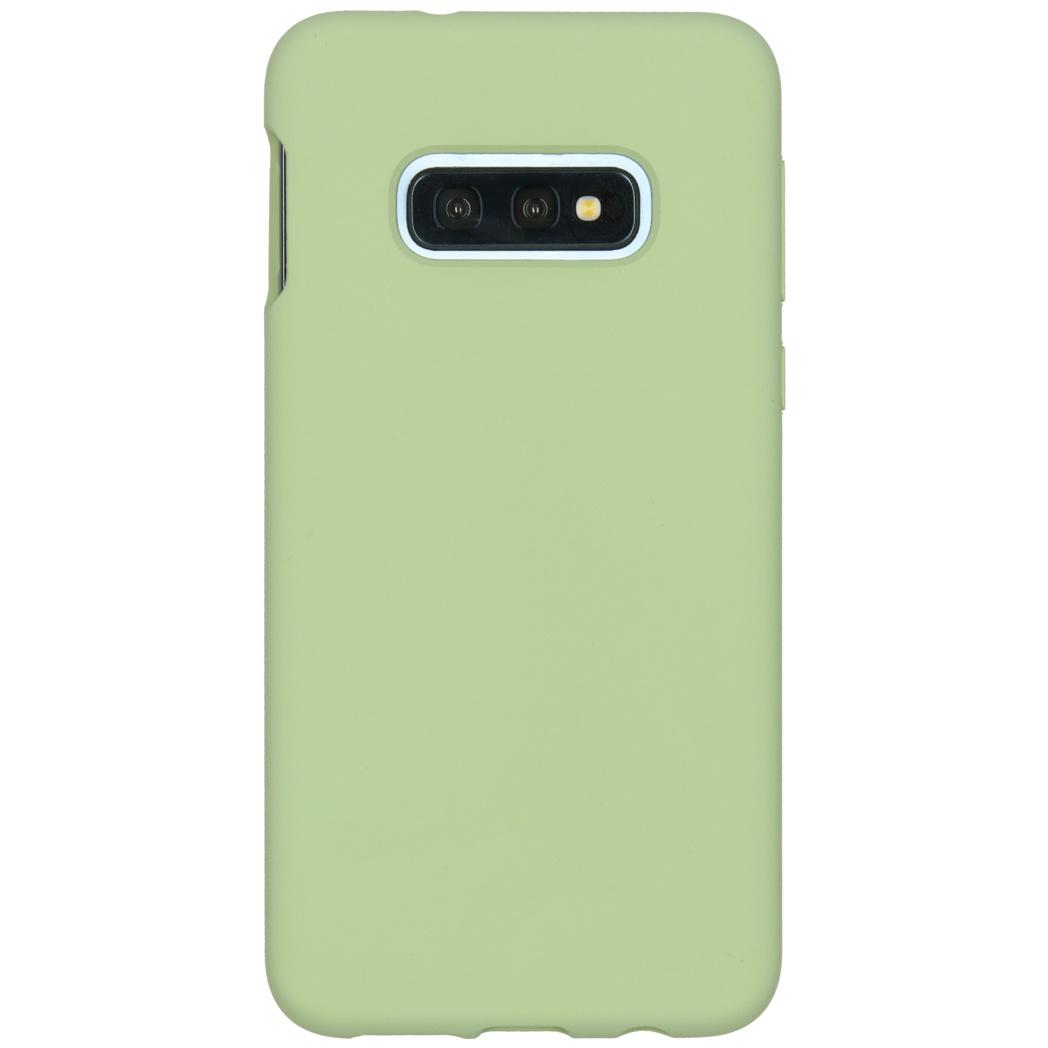 Accezz Liquid Silikoncase Grün für das Samsung Galaxy S10e