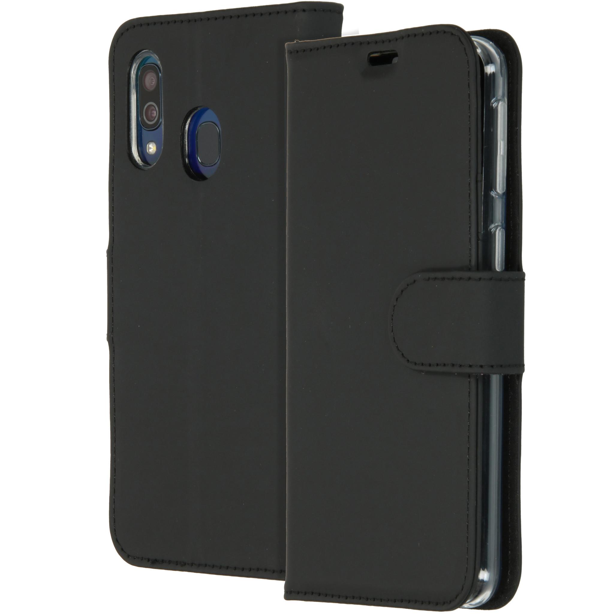 Accezz Wallet TPU Booklet Schwarz für das Samsung Galaxy A40