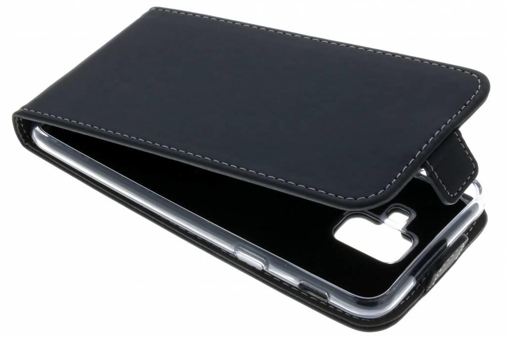 Accezz Schwarzer Flip Case für das Samsung Galaxy A6 Plus (2018)