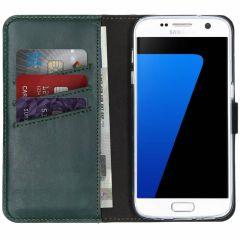 Selencia Echtleder Booktype Hülle Grün für das Samsung Galaxy S7