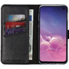 Selencia Echtleder Booktype Hülle Schwarz für das Samsung Galaxy S10e