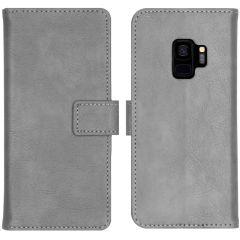 iMoshion Luxus Booktype Hülle Grau für das Samsung Galaxy S9