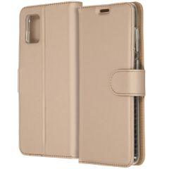 Accezz Wallet TPU Booklet für das Samsung Galaxy A31 - Gold