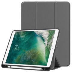 iMoshion Trifold Bookcase iPad (2018) / (2017) / Air 2 / Air - Grau