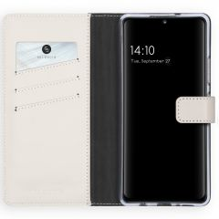 Selencia Echtleder Booktype Hülle Samsung Galaxy A42 - Hellgrau
