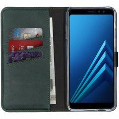Selencia Echtleder Booktype Hülle Grün für Samsung Galaxy A8 (2018)