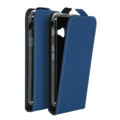 Accezz Schwarzer Flip Case Blau Samsung Galaxy Xcover 4 / 4s