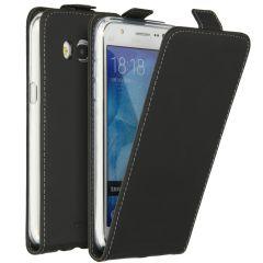 Accezz Schwarzer Flip Case für das Samsung Galaxy J5 (2016)