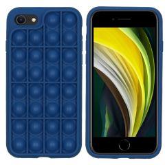 iMoshion Pop It Fidget Toy - Pop It Hülle iPhone SE (2020) / 8 / 7
