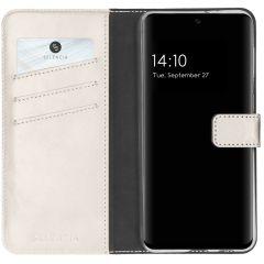 Selencia Echtleder Booktype Hülle Samsung Galaxy S21 FE - Hellgrau