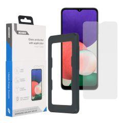 Accezz Glass Screenprotector + Applicator für das Samsung Galaxy A22 (5G)