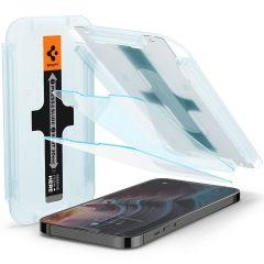 Spigen GLAStR Fit Displayschutzfolie  + Applicator für das iPhone 13 Pro Max
